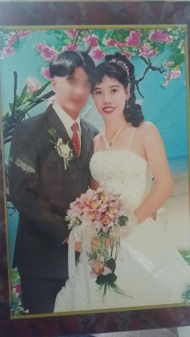 Ảnh cưới của Sương và anh Tùng.