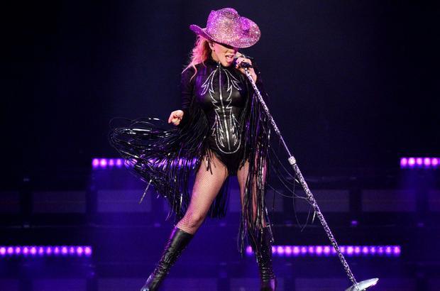 Nếu như thông tin là đúng, mỗi đêm diễn Gaga sẽ bỏ túi hơn 1 triệu USD!
