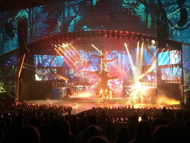Những đêm diễn tại Vegas luôn được đầu tư bằng công nghệ tối tân nhất, thậm chí có phần nhỉnh hơn các chuyến lưu diễn cá nhân.