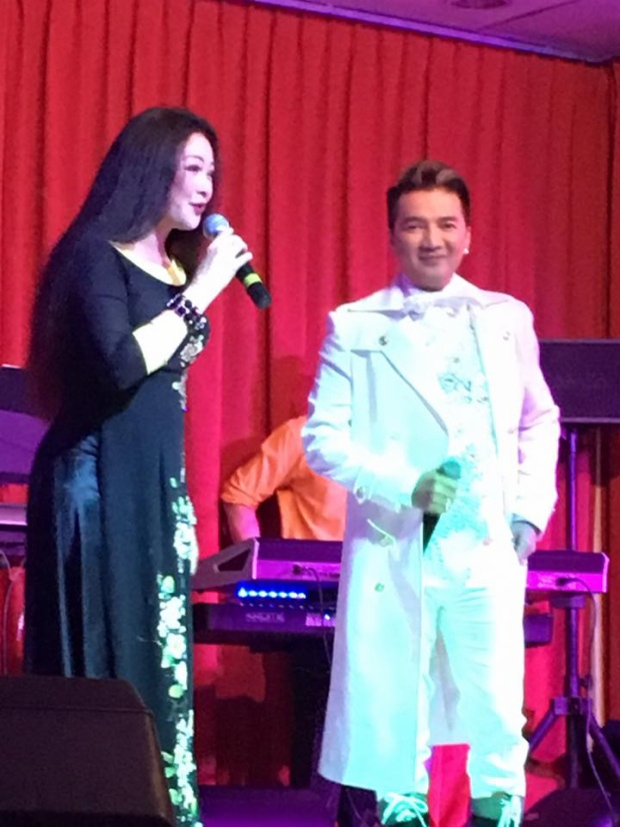 Hai ca sĩ nổi tiếng cùng song ca trong một đêm diễn tại hải ngoại.