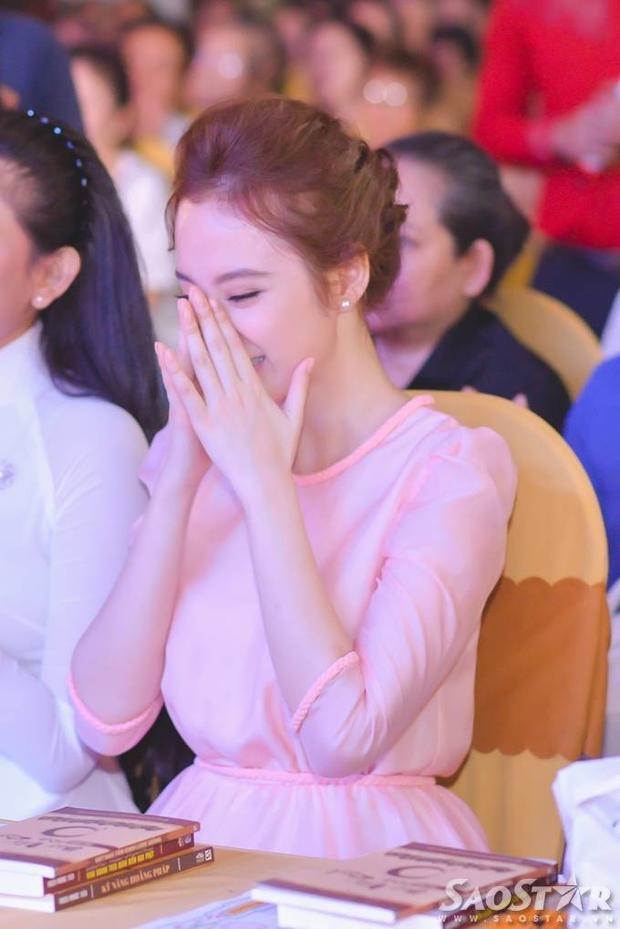 Ai đủ sức đóng vai của Song Hye Kyo trong Hậu duệ mặt trời bản Việt?