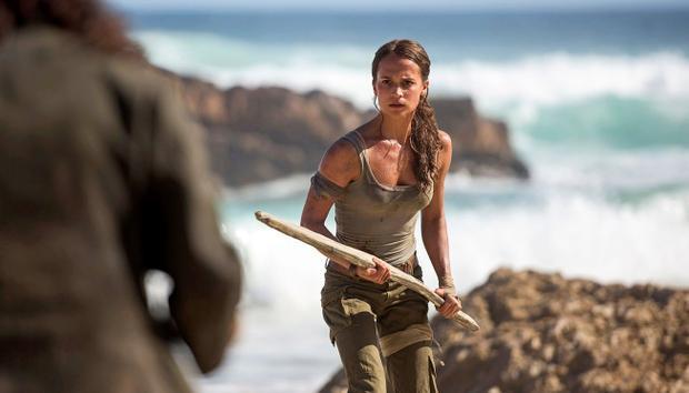 Nữ diễn viên từng đoạt giải Oscar AliciaVikander có màn vào vai ấn tượng trong Tomb Raider