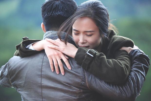 Vũ Ngọc Anh và Cường Seven thi nhau vạch trần đạo diễn Victor Vũ
