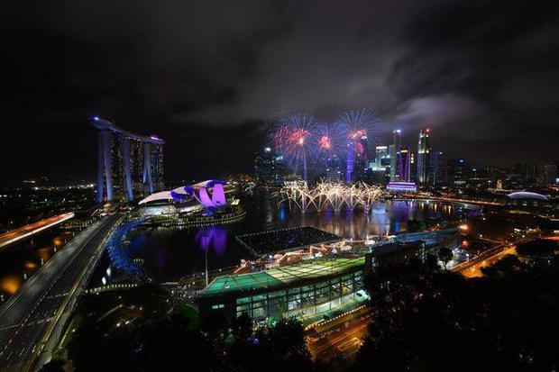 Màn bắn pháo hoa ở Vịnh Marina, Singapore.