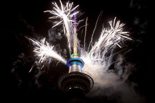 Màn pháo hoa đầu tiên ở Auckland, New Zealand.