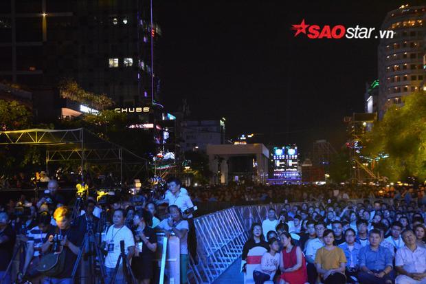 """Phố đi bộ Nguyễn Huệ đã vậy, """"phố Tây"""" - Bùi Viện cũng chẳng khác gì."""