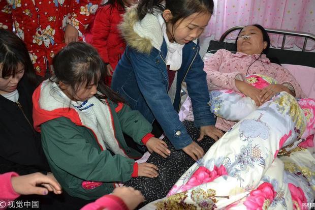 Sóng gió cuộc đời nữ triệu phú từ bỏ giàu sang, nuôi hơn 100 trẻ bị bỏ rơi