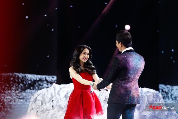 """Dù hát ca khúc Giận hờn 2,Hòa Minzy vẫn chọn kết thúc có hậu để có màn """"chốt show"""" viên mãn."""