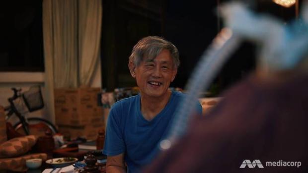 Dù cuộc sống khó khăn, nhưng ông KY Lim luôn giữ nụ cười trên môi.