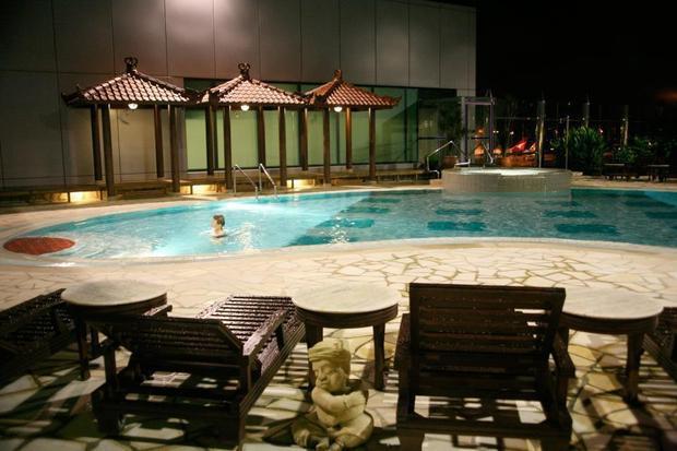 Sân bay có bể bơi sang trọng như khách sạn 5 sao tại Singapore