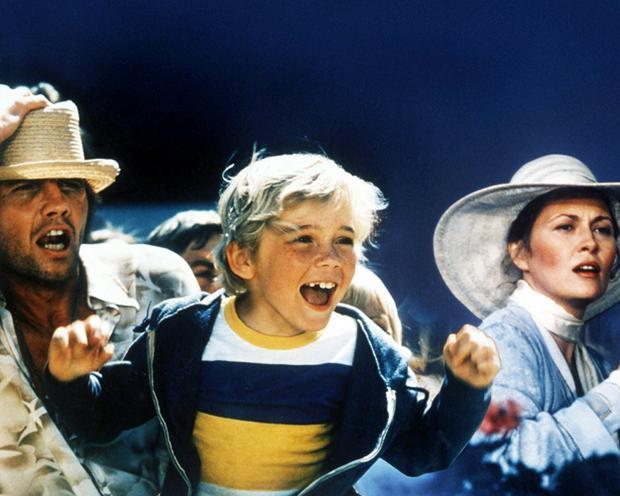 Diễn viên nhí Ricky Schroder đã vinh dự có được một Quả cầu vàng cho vai diễn trong bộ phimThe Champ năm 1980. Năm đó cậu chỉ mới 9 tuổi.