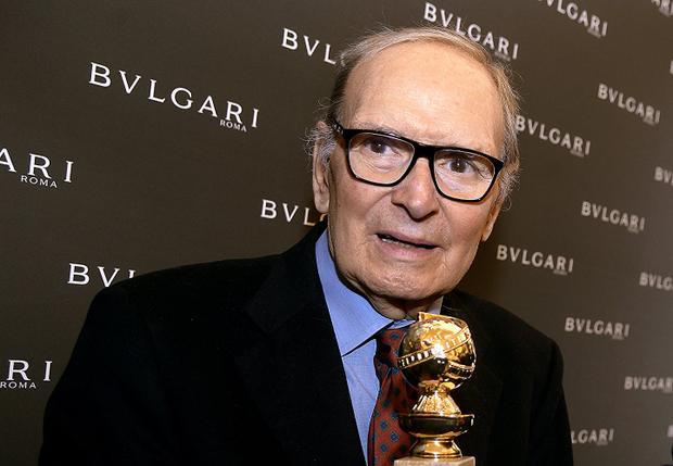 Ở tuổi 87, nhạc sĩ Ennio Morricone đã được Quả cầu vàng xướng tên cho hạng mục Nhạc phim hay nhất (phim The Hateful Eight).