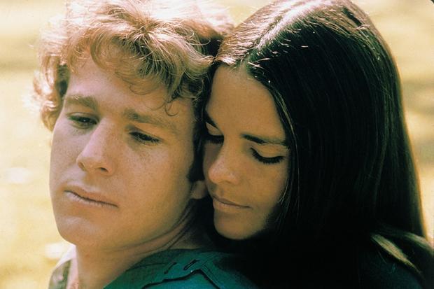 Trong lịch sử Quả cầu vàng, 4 phim xuất sắc chiến thắng ở 5 hạng mục là: Love Story, Doctor Zhivago, The Godfather và A Star Is Born.