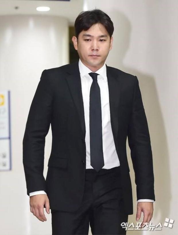 """Sau nhiều lần sa ngã và được tha thứ, Kangin chính thức """"đánh sập"""" sự nghiệp bằng scandal hành hung phụ nữ."""