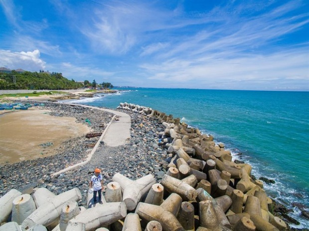 Bãi đá Ông Địa hay còn gọi là bãi đá Ông nằm ở phường Hàm Tiến, Phan Thiết, Bình Thuận. (Ảnh: hung.vuhuy)