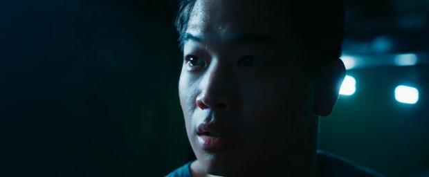 Minho chạy bán sống bán chết vì bị quái vật truy sát trong Maze Runner 3