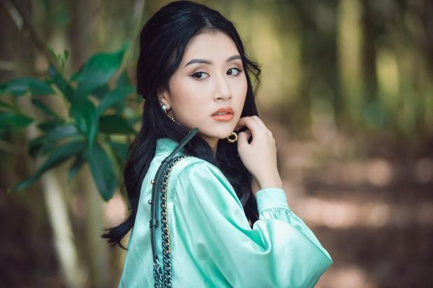Ngoài vẻ đẹp trong trẻo, Quỳnh Anh Shyn luôn khiến khán giả bất ngờ với phong cách thời trang liên tục thay đổi.