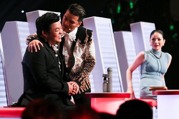 Quang Lê và Đàm Vĩnh Hưng nhiều lần có màn tung hứng ăn ý trên sân khấu Thần tượng Bolero mùa 2.