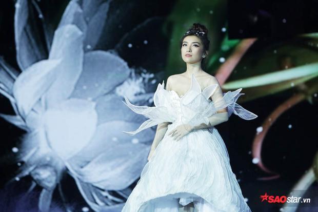 Ca sĩ Tiêu Châu Như Quỳnh trong đêm thi Bán kết.
