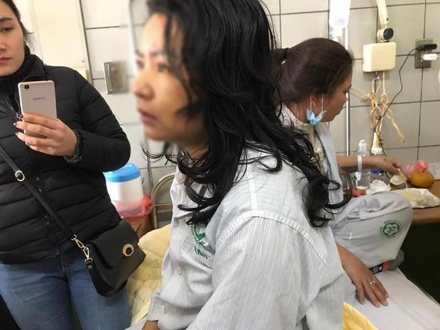 Sau nhiều ngày hôn mê, hiện chị N. đã tỉnh lại nhưng bị suy gan, phải lọc máu.