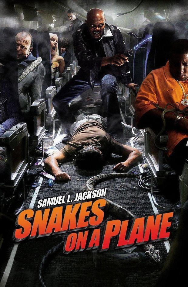Snakes on the plane là cuộc thảm sát trên không đáng sợ nhất năm 2006 và Lin Shaye cũng là một nạn nhân trong đó