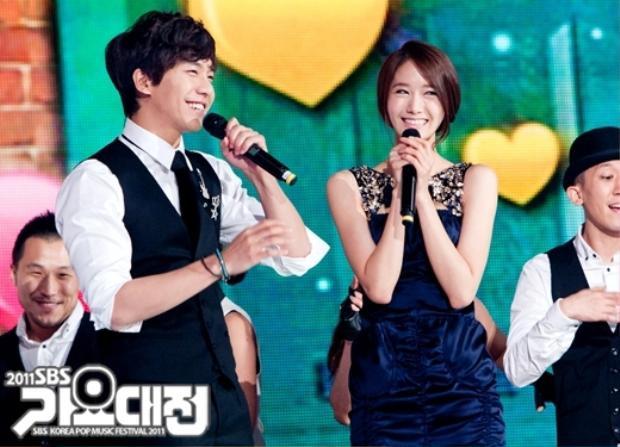 Dù đã chia tay nhưng Lee Seung Gi và Yoon Ah cũng từng là một cặp đôi đẹp trong showbiz Hàn