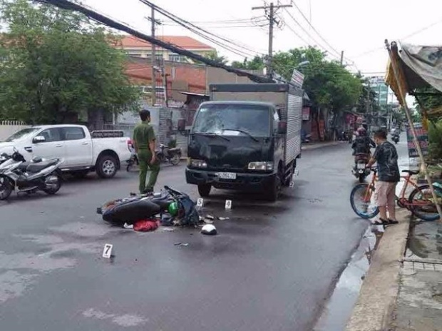 Thức lao vào xe tải tự tử nhưng chỉ bị thương. Hình minh hoạ.