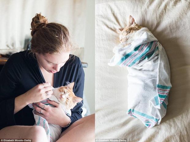 """Chia sẻ về bộ ảnh, Lucy Schultz cho biết: """"Tôi có ý tưởng chụp một bộ ảnh như thế này từ lâu, vì bản thân là một người rất thích mèo. Vì vậy, sau khi nhận nuôi chú mèo này, tôi lập tức thực hiện dự định đó, đánh dấu một cột mốc quan trọng đối với mình""""."""