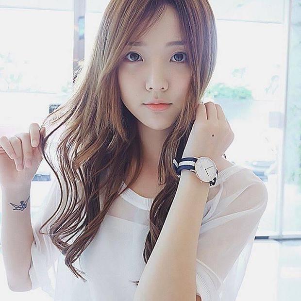 Chứng kiến Song Luân  Kiều Minh Tuấn tắm cho nhau, hotgirl Thái Lan Nene 'mất lòng tin vào cuộc sống'