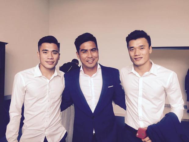 Đặc biệt, Tiến Dụng cũng có mặt trong đội hình thi đấu của U23 Việt Nam tại giải châu Á. Mặc dù không ra sân, nhưng Tiến Dụng hòa mình vào phút giây lịch sử cùng đồng đội.