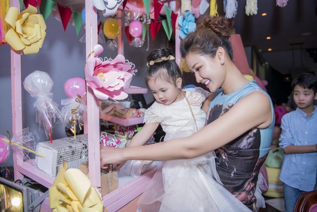 Nữ ca sĩ luôn mong muốn mang đến không gian đặc biệt nhất cho con gái của mình.