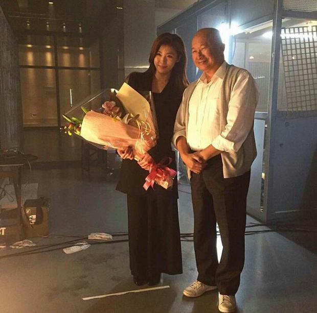 Ha Ji Won và đạo diễn Ngô Vũ Sâm.