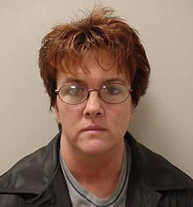 Bà Theresa, người đã lên kế hoạch lừa đảo một cách đầy tinh vi nhằm lấy tiền gây quỹ của người dân. Bà bị chịu mức án 6,5 tù giam.