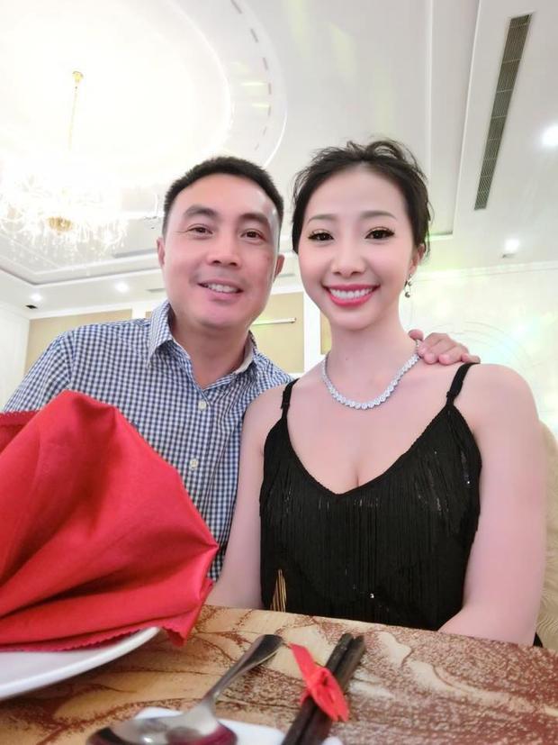 Cô dâu đeo 1 cân vàng trong lễ cưới: Tôi mệt mỏi và tổn thương vì những bình luận khiếm nhã