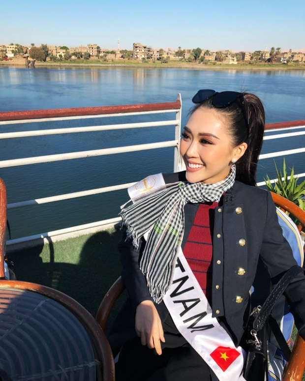 Những ngày qua, Tường Linh - đại diện Việt Nam tại Miss Intercontinental 2017 hào hứng tham gia các hoạt động của cuộc thi như chụp ảnh bikini, trình diễn trang phục truyền thống, tham quan các danh thắng tại Ai Cập…