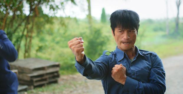 """Và cuối cùng là """"Anh Mười"""" (Dustin Nguyễn) truyền nhân của Bành Công Phái với sự hào hiệp sảng khoái cùng tinh thần kiên cường vượt lên số phận."""