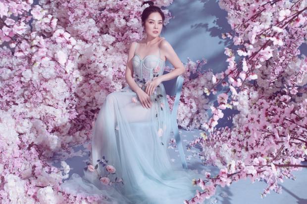 Dương Cẩm Lynh cho biết trong năm 2018, cô sẽ dành nhiều thời gian hơn để tham gia vào nhiều dự án nghệ thuật phục vụ khán giả, nhằm bù đắp cho sự trông đợi từ những ai đã yêu mến cô.