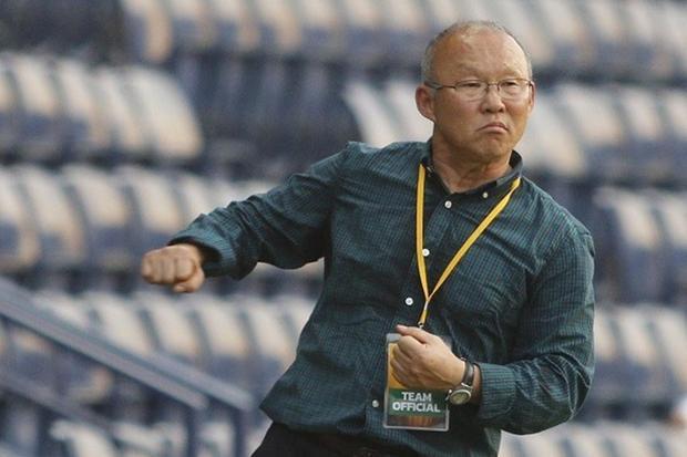 """HLV Park Hang Seo - """"Người lạ"""" đang gây sốt cho bóng đá Việt Nam."""