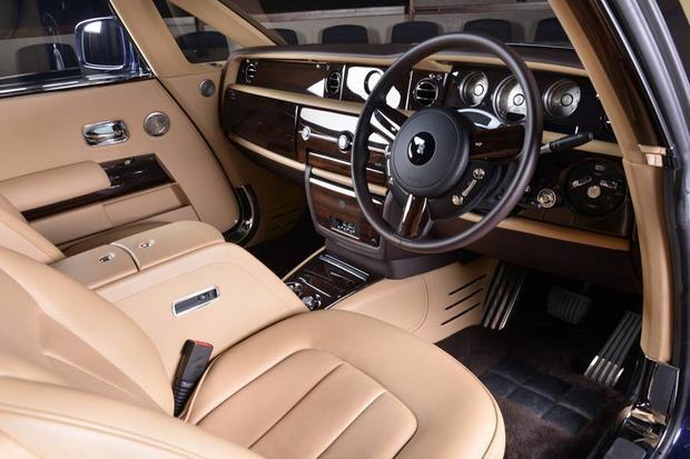 Rolls-Royce Sweptail có động cơ V12 turbo, 453 mã lực.