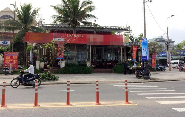 Nhà hàng nơi ekip của ca sĩ Quang Lê dùng bữa ăn khuya.