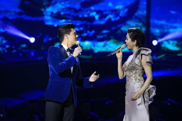 Bên cạnh những ca khúc của riêng mình, nữ ca sĩ cũng tạo dấu ấn bằng những bản song ca với Quang Dũng.