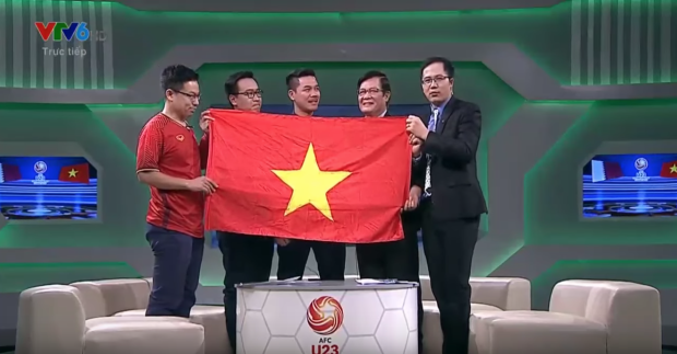 Các chuyên gia và BLV đều xúc động với chiến thắng thuyết phục của đội tuyển U23 Việt Nam trong trận bán kết thần thánh.