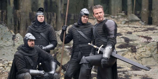 Bạn sẽ không ngờ Jason Statham từng là cầu thủ, huyền thoại Pele  David Beckham đóng phim