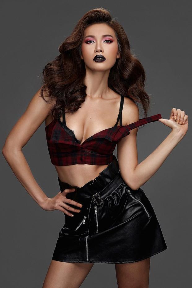 Là một trong những người đẹp theo đuổi phong cách sexy, Minh Tú thường xuất hiện với hình ảnh gợi cảm, vô cùng thu hút.