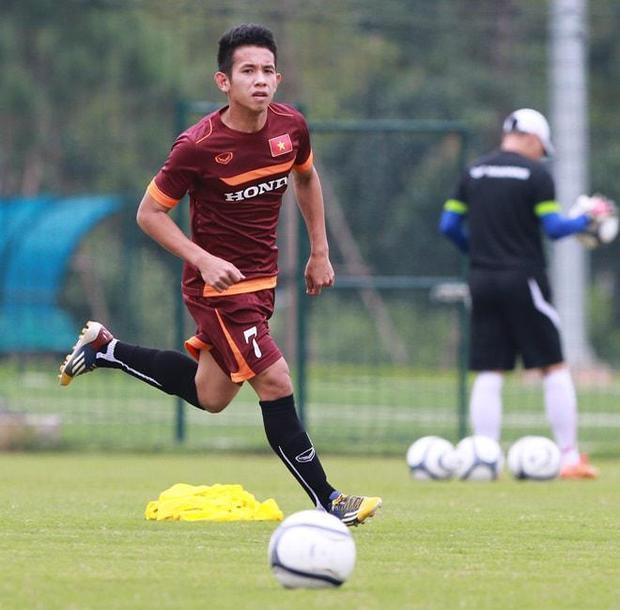 """Cầu thủ Nguyễn Phong Hồng Duy đã được gọi là """"cascadeur chơi hay nhất Việt Nam""""."""