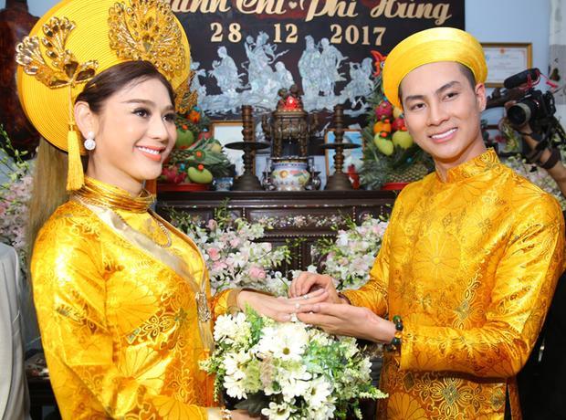 Đám cưới của nữ ca sĩ chuyển giới khiến đông đảo khán giả chú ý.