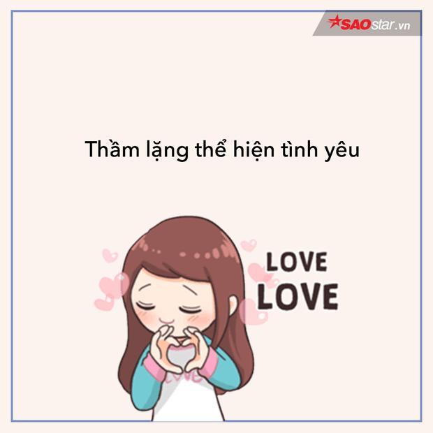 Fan girl chỉ để dành tình yêu trong tim, theo dõi các người hùng trong thầm lặng…