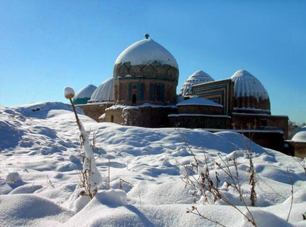 Thời tiết tại Uzbekistan rất khắc nghiệt, nhiệt độ giữa hai mùa có thể chênh nhau tới 70 độ C.