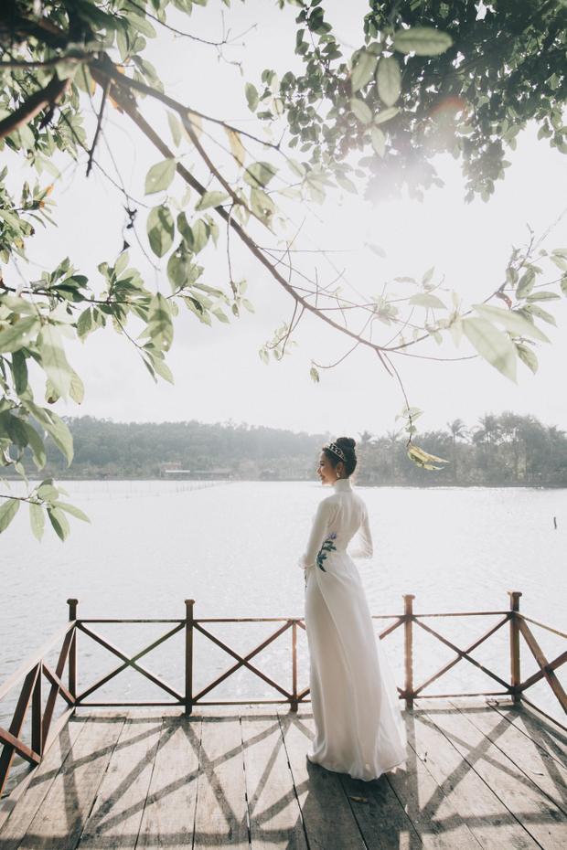 Vóc dáng Á hậu 1 Hoa hậu Hoàn vũ Việt Nam nhìn từ phía sau trông khá mảnh dẻ.