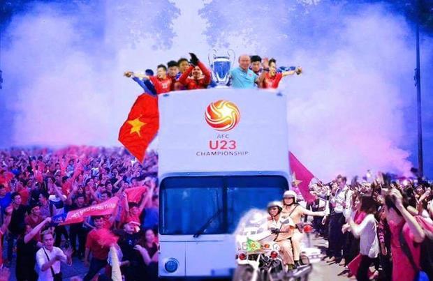 U23 Việt Nam sẽ diễu hành bằng xe buýt mui trần. Ảnh Internet.